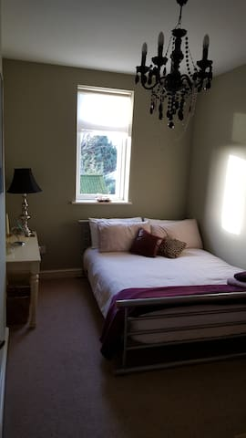 Luxurious Stay close to City Centre (2) - Swinton