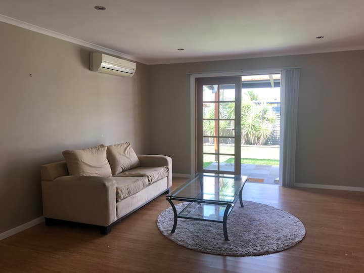 Gorgeous house, amazing location,300m to the creek