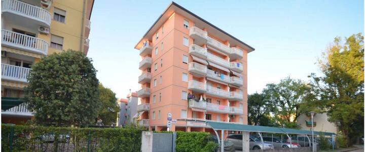 apt for 4+2 persons with a/c in Bibione R81341