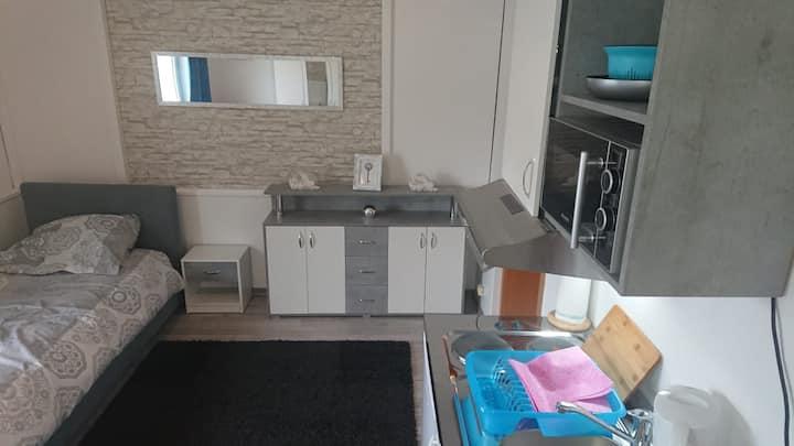 1OG19- Mikroapp. für Pendler/Student Bad WC Küche