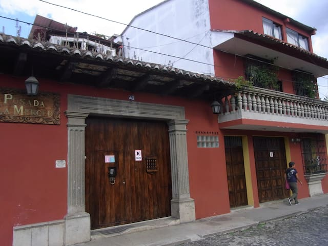 Cozy apartment near La Merced Church - Antiga Guatemala - Pis