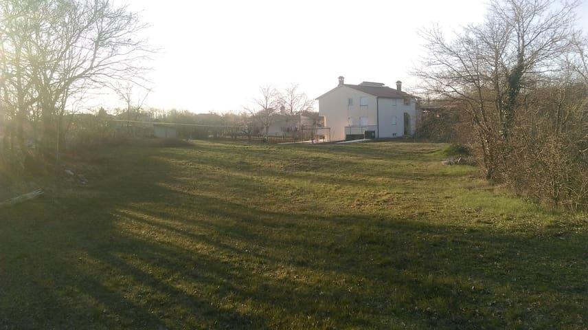 Huge garden villa A6+2