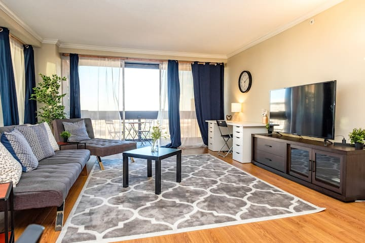 ☺ Beautiful 1 bedroom condo with gorgeous views ☺