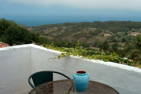 House in Almoçageme w/ fantastic sea view - Colares