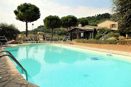 Villa Montegiove with private pool - Centinarola