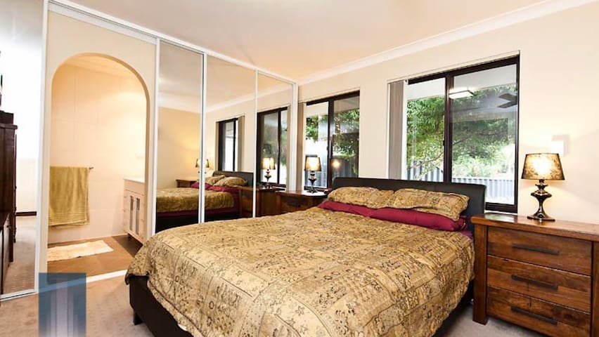 Lovely cozy room - Parkwood - House