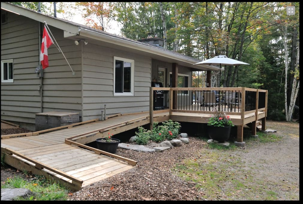 Spacious new deck and ramps built 2017... wheelchair friendly.
