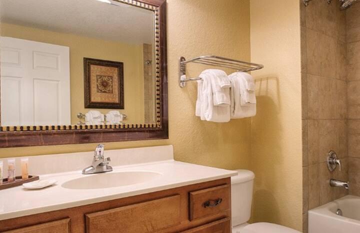 3BR Deluxe Stay @ Wyndham Bonnet Creek Resort