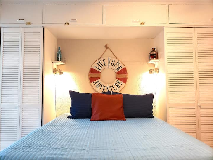 Cosy Private Condo in the heart of Gulf Shores!