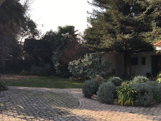 Gran Casa estilo chileno - Lo Barnechea - House