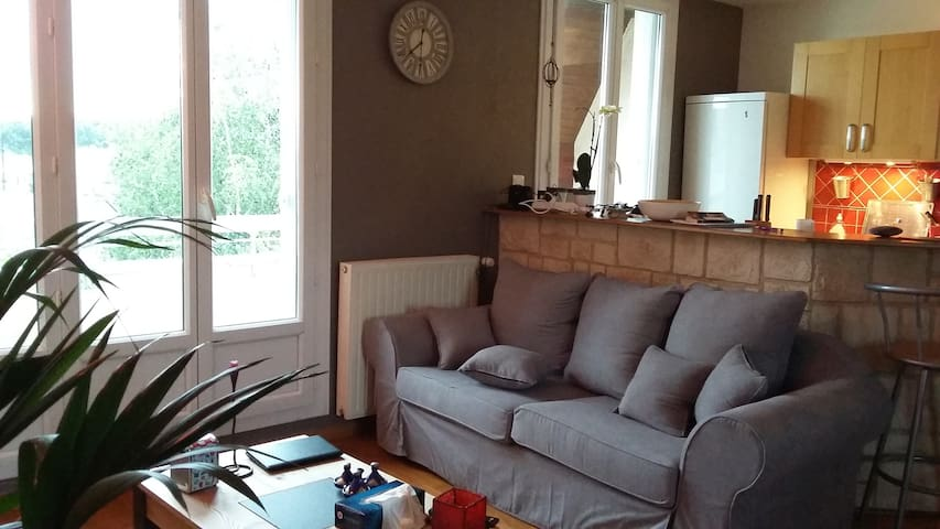 Cosy flat 72 m2 , 200 m from tram - Nantes - Huoneisto