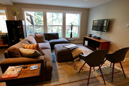 2bd/2ba Nanoose Bay suite Central Vancouver Island