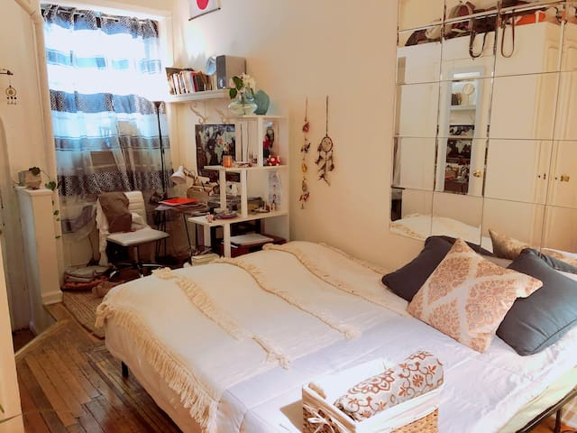 Cosy soulful studio in the Upper West Side