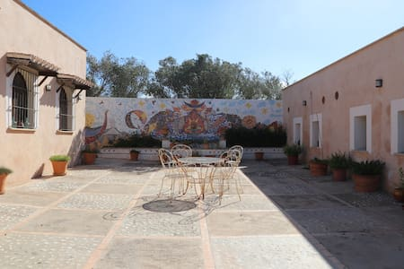 Double room with private toilet in Majorcan finca - Marratxí