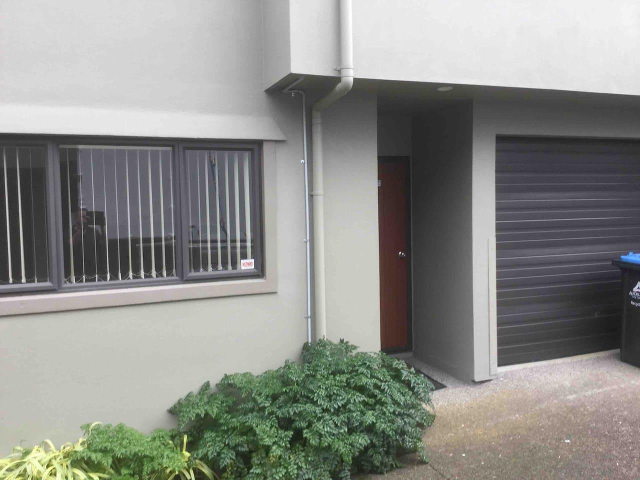 88Q Selwyn Street. Onehunga. Auckland