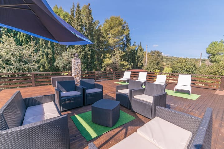 Villa SOL: surrounded by garden, pool and terrace
