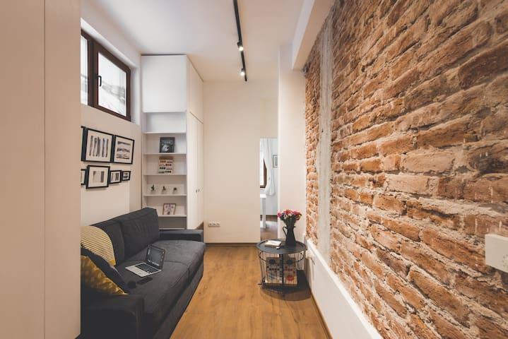 SoHOME★ a cozy minimalist home in the city's heart