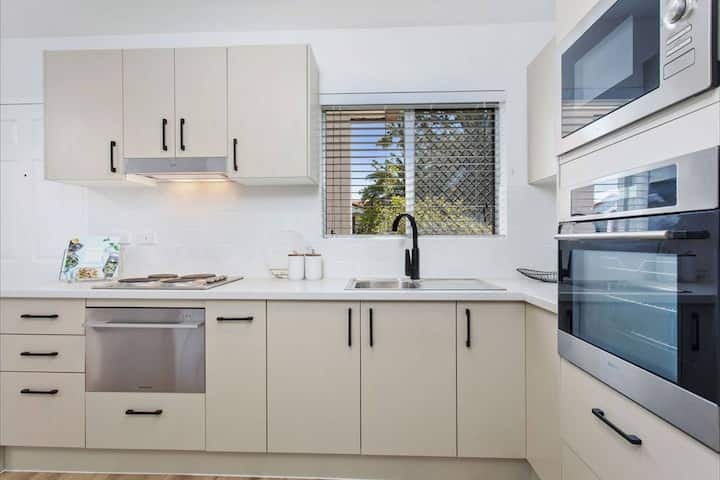 3 months +Renovated Maylands 2 x 1 near SJOG+Cafes