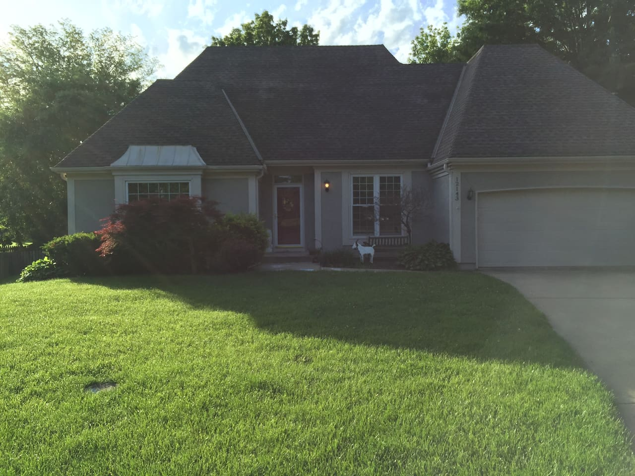 We live in a charming 1 1/2 story home in Overland Park, KS.