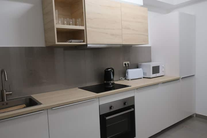 New renovated comfortable 3 bedroom apartment