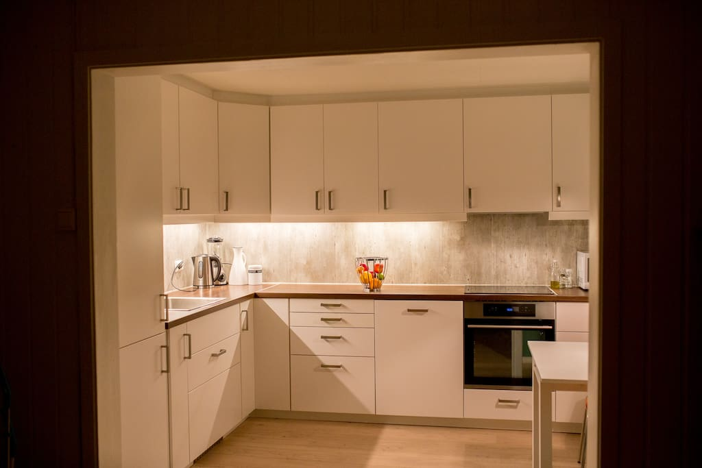 Brand new kitchen with all fascilities: oven, fridge, freezer, washing machine, make your morning coffee or afternoon tea here and enjoy it in front of the fireplace!