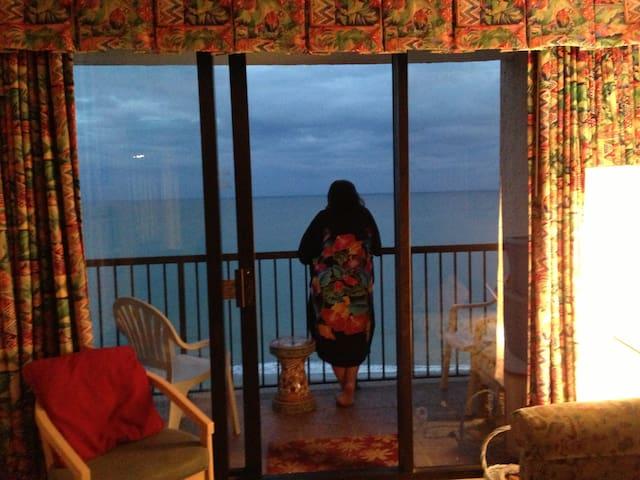 Ocean front Condo at Myrtle Beach, SC