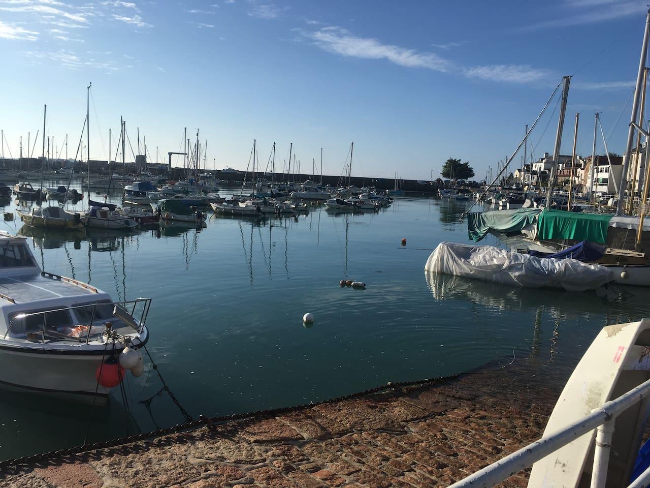 St Aubins Harbour - 5 mins away