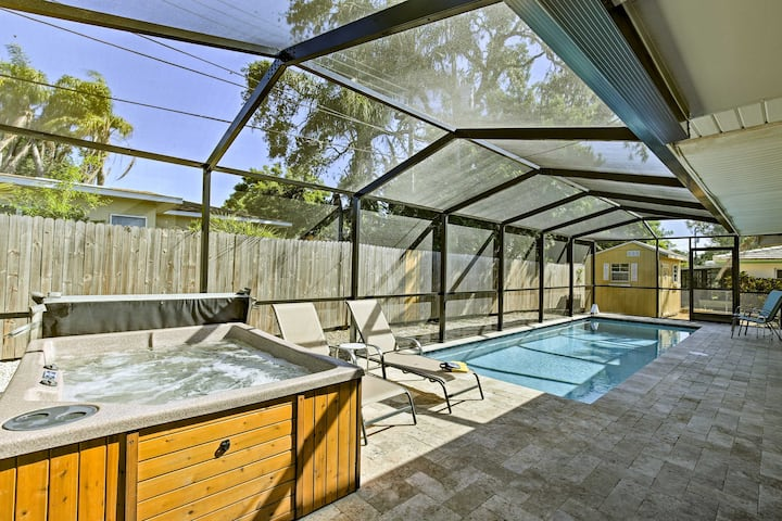 Largo Home w/Private Pool & Spa, 4 Miles to Beach!