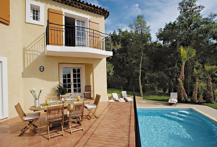 PISCINE PRIVÉE | Villa spacieuse et équipée, proche du Centre, Plages, Golf