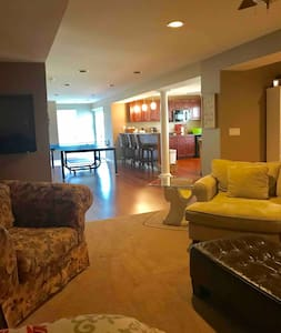 Purcellville Brewery & Wine Country ~ entire level