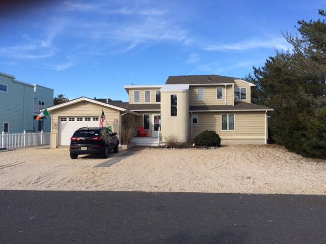 Spectacular Family Bayside Home - Harvey Cedars - House