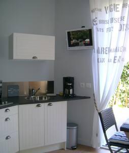 Appartement de charme proche de la mer - Fouesnant - Condominio