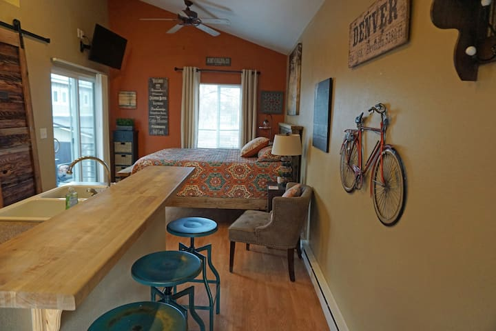 Industrial Old Town Bungalow w/ Free Cruiser Bikes