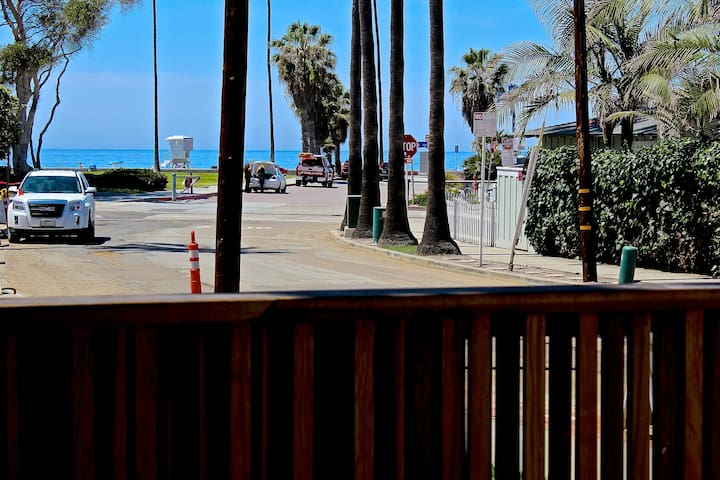 Beautiful home steps to beach of La Jolla Shores - San Diego - House