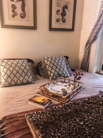 Room with King sized bed in the heart of Bushwick