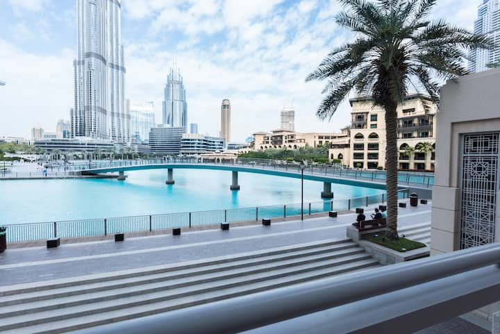 3BR Villa on the fountain facing Burj Khalifa