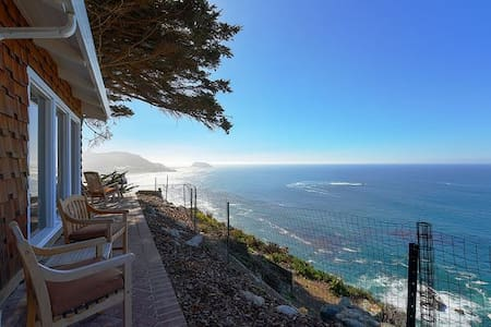 Cliff House - Big Sur Coast with Ocean Views