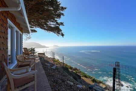 Cliff House - Big Sur Coast with Ocean Views
