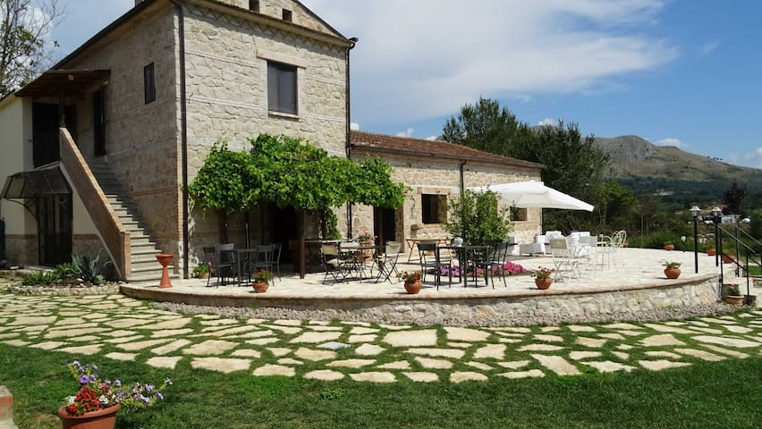 MONOLOCALE IN AGRITURISMO - Cassino - Vacation home