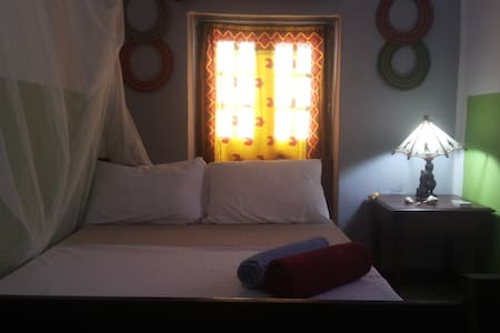 Cozy Room + Aircondition+ WIFI + Central Stonetown - Zanzibar Town - Flat