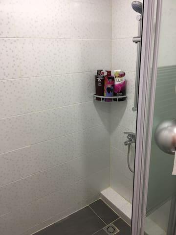 Toilet 1. 浴室#1