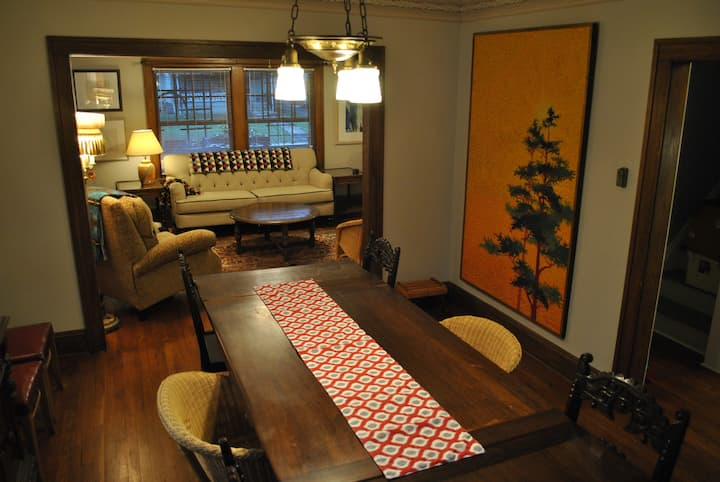 Vintage 1922 Entire 3BR House w/queen beds