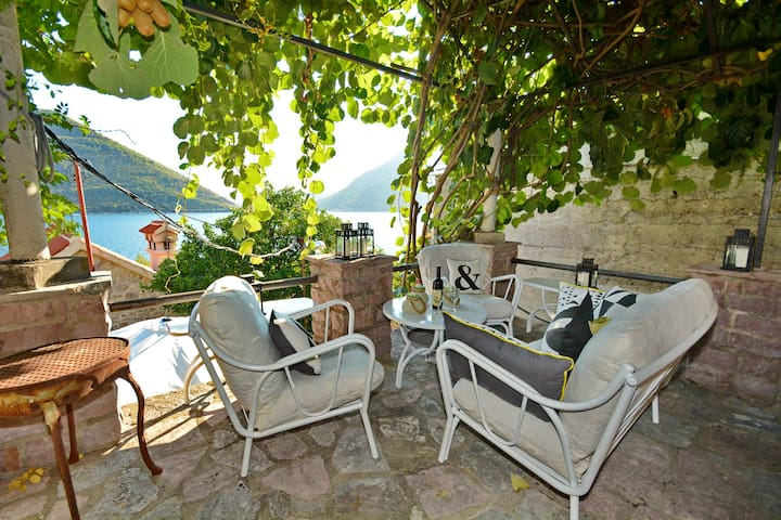 PERAST CITY CENTER SEAVIEW VILLA - Perast - Haus