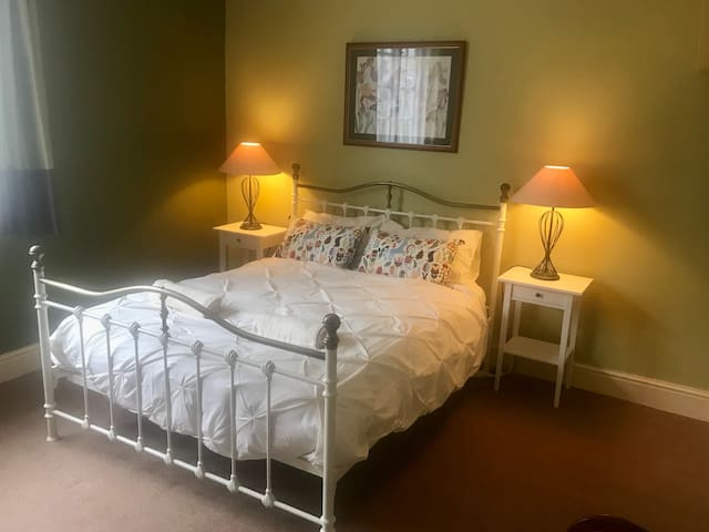 Spacious Cosy Room in York