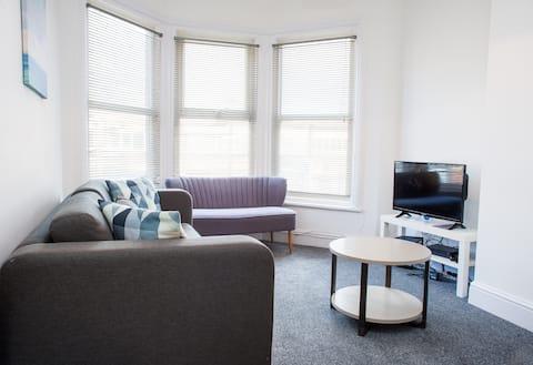 3 bedroom Shirehampton flat near Avonmouth & M4