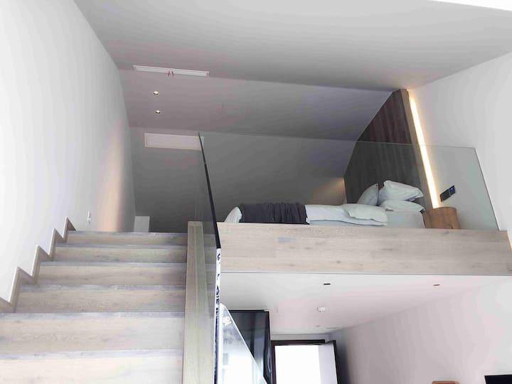 六一豪华2层阳光复式街景豪华温馨大床