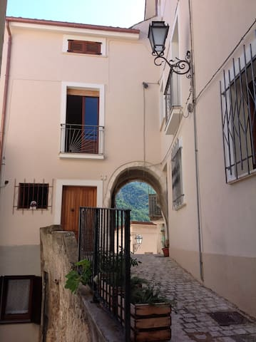 House in medieval village - Pretoro