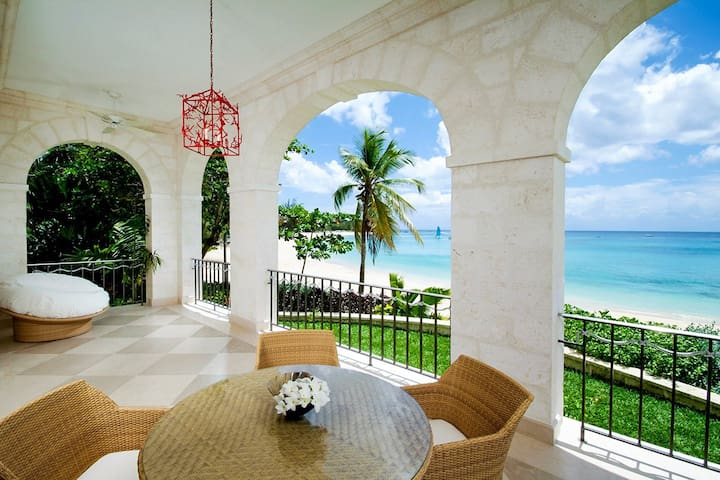One Sandy Lane - Penthouse South