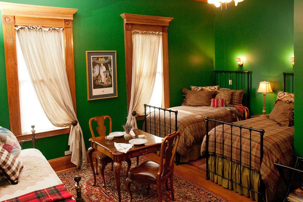2nd bedroom in Acadia Suite.