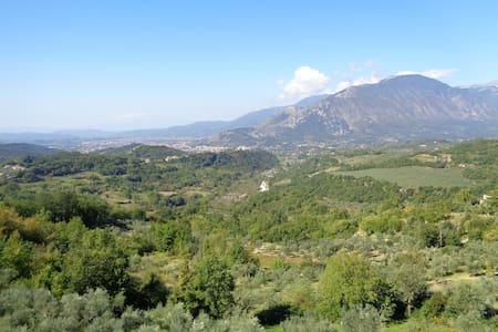Anthea, respiri la natura incontaminata, 6 camere - Campoli Appennino - 別荘